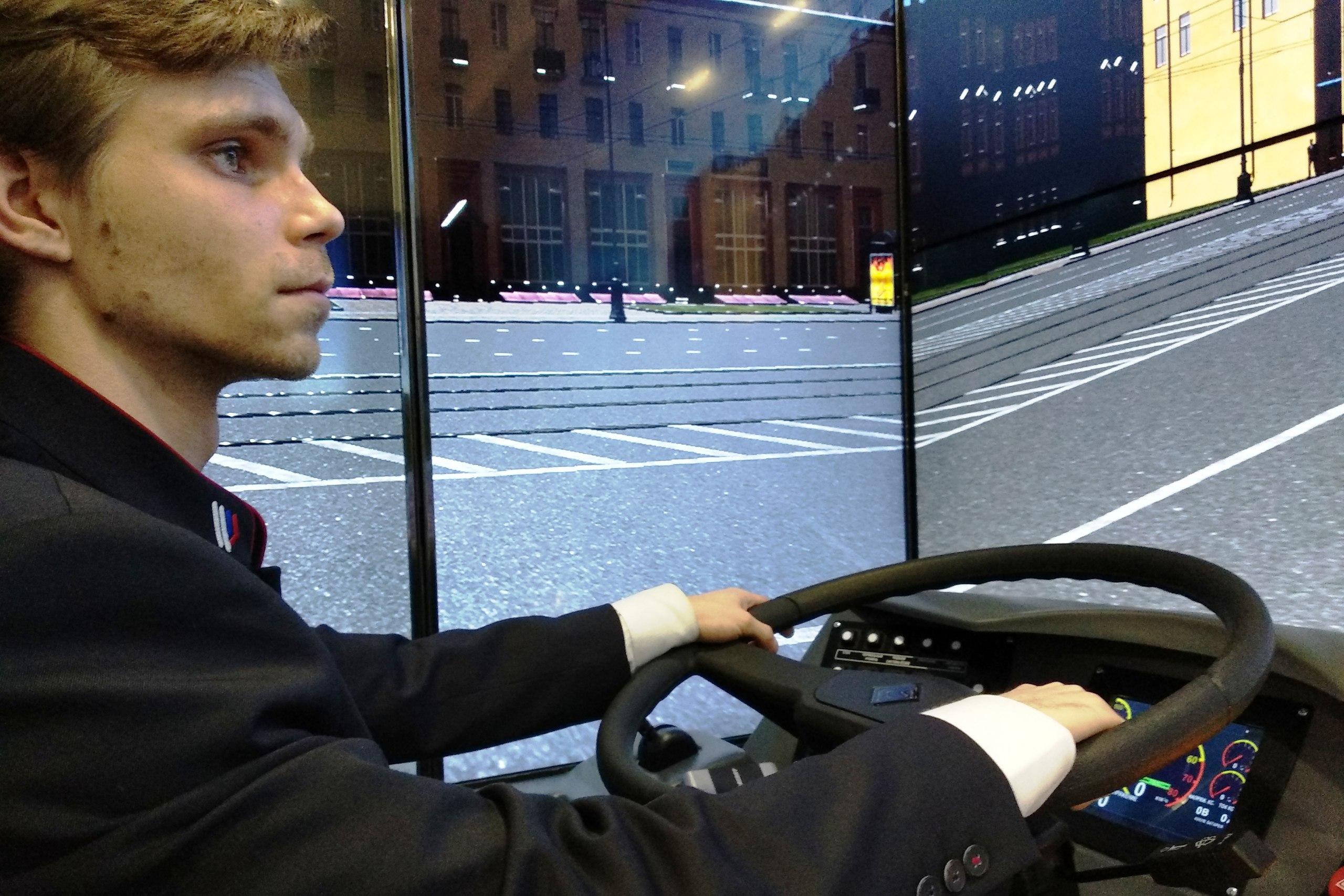 Первая в 2019 году группа будущих водителей троллейбуса приступила к обучению