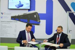 Горэлектротранс на форуме SmartTRANSPORT подписал 6 соглашений и наметил пути развития экологически чистого транспорта в Петербурге