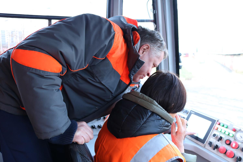 Горэлектротранс показал процесс подготовки водителей в Учебно-курсовом комбинате