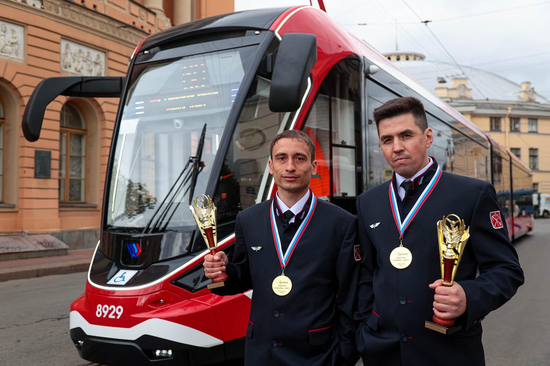 В Горэлектротрансе выбрали лучших водителей трамвая и троллейбуса-2021
